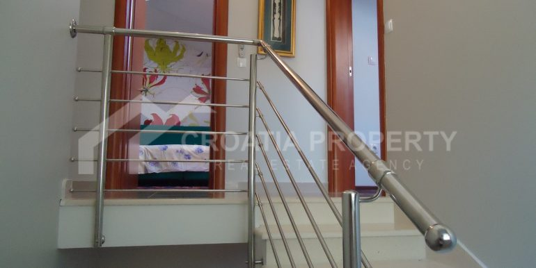 luxurious Sutivan apt (4)