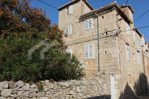 Old stone house for sale Sutivan - 1911 - view (1)
