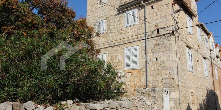 stara kamena kuća Sutivan (1)