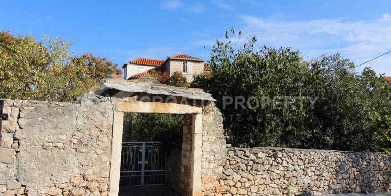 stara kamena kuća Sutivan (11)
