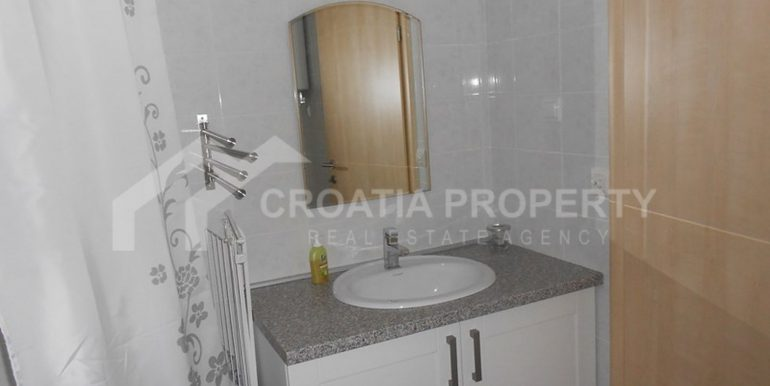apartment in Supetar for sale (1)