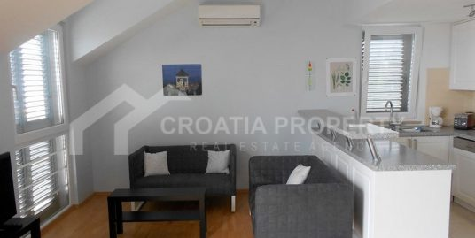 Lovely and spacious apartment for sale Supetar