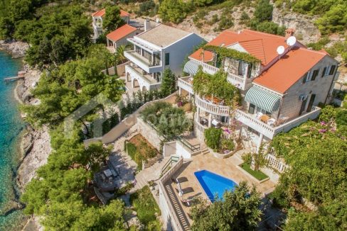 Fantastic seafront villa for sale Brac - 1920 - air view (1)