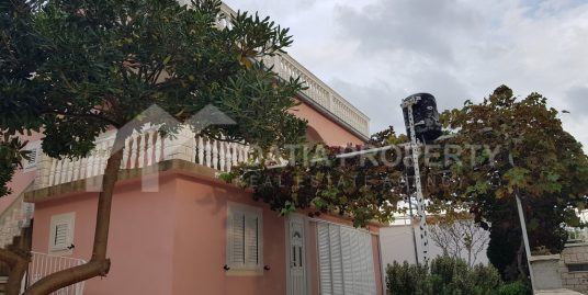 South-oriented house for sale Ciovo