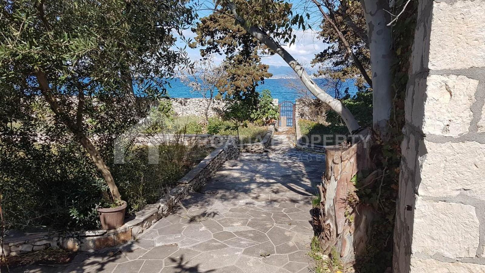 Einzigartiges Haus am Meer zum Verkauf Sutivan