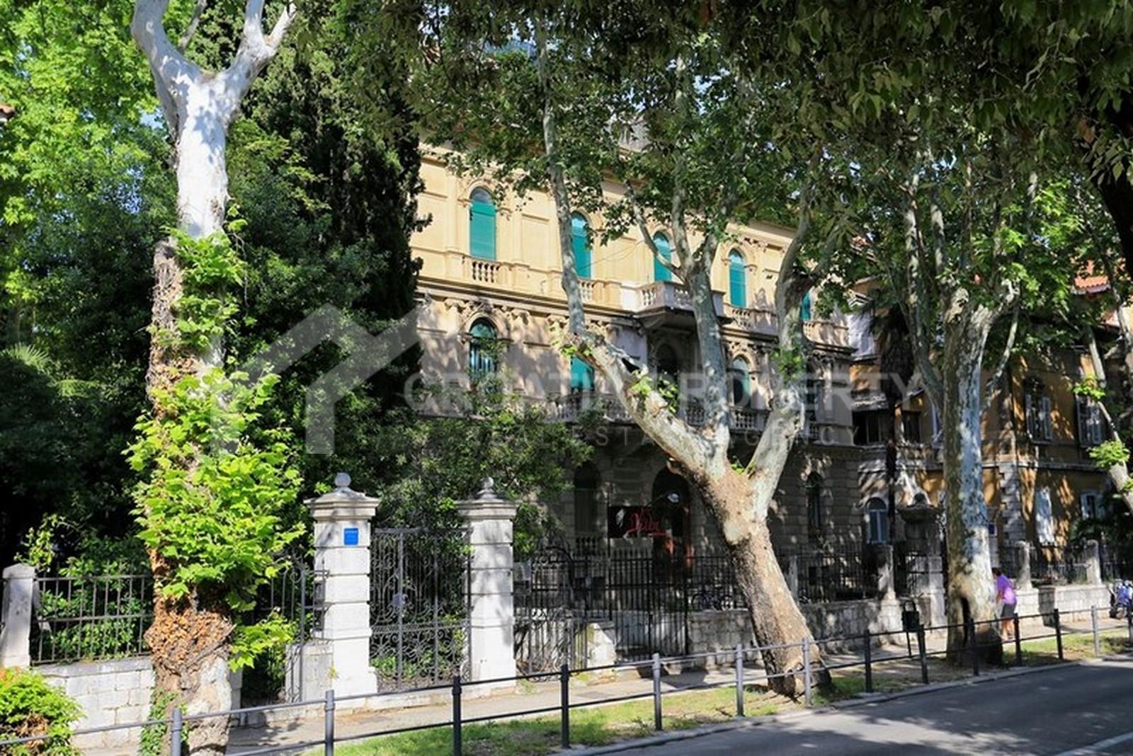 Spacious apartment for sale Split