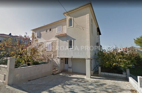 house for sale Brac Supetar - 1949 - house front (1)