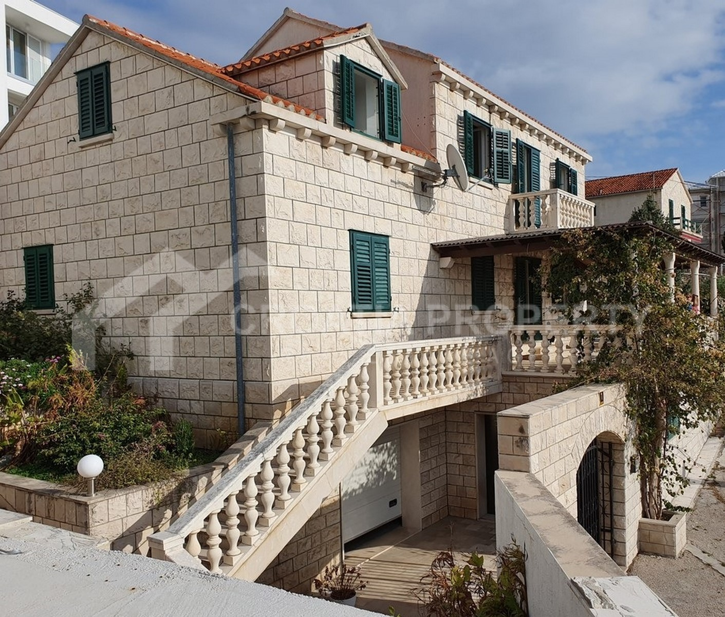 Stone house for sale Brac