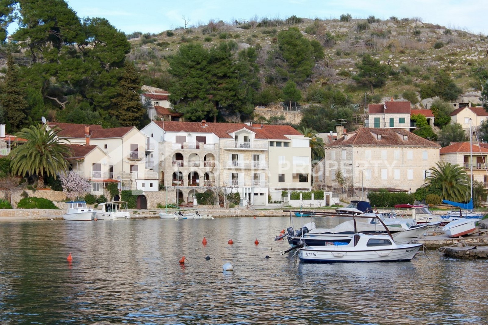 Seafront house for sale Bobovisca