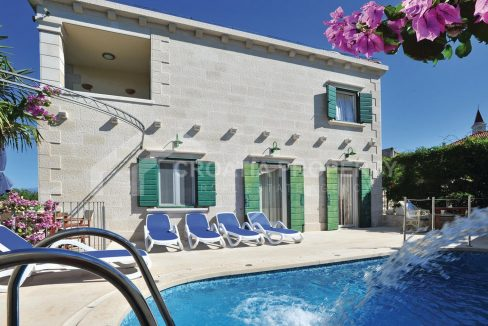 Stone villa for sale Brac - 1959 - villa with pool (1)