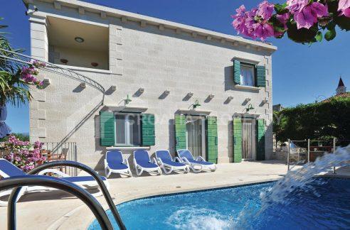 Stone villa for sale Brac - 1959 - villa with pool (1)
