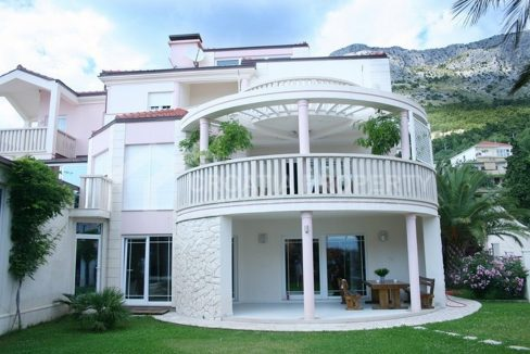 Villa for sale Omis Nemira 1952 - beautiful villa (1)