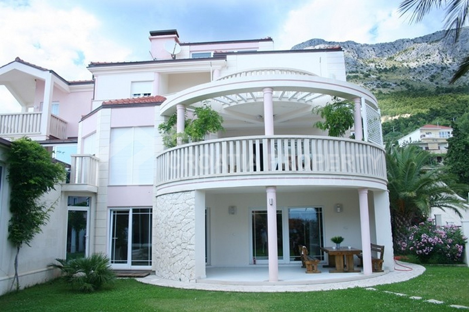 Villa for sale Omis Nemira