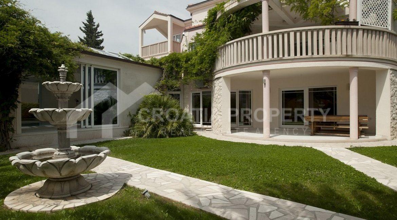 spectacular villa Nemira 1952 - (17)