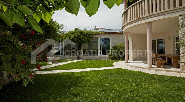 spectacular villa Nemira 1952 - (19)