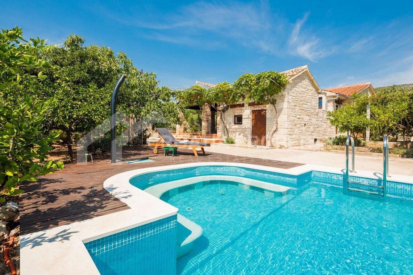 Villa with pool near Marina