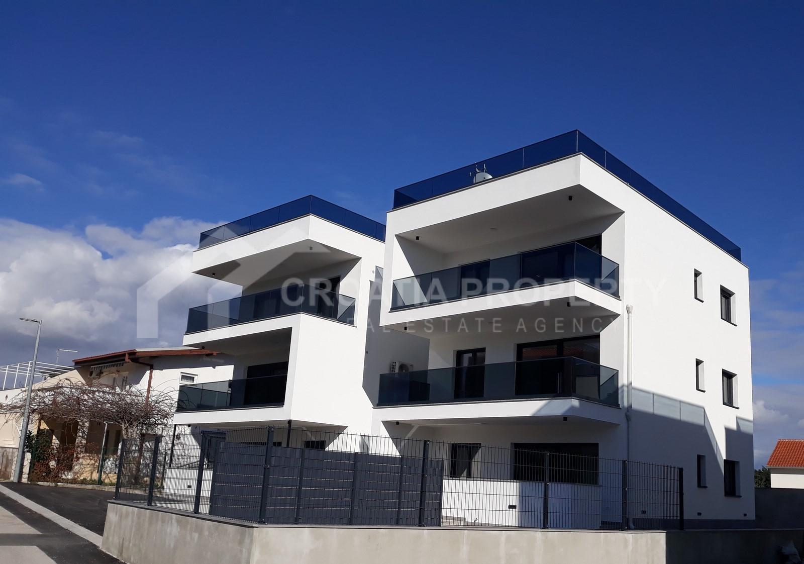 Novoizgrađeni apartmani s pogledom na more Čiovo