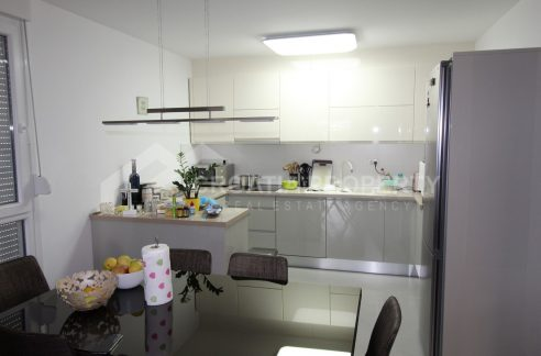 A newbuilt apartment in Split Pazdigrad for sale - 1995 - kitchen (1)