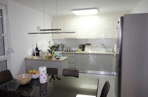 A newbuilt apartment in Split Pazdigrad for sale - 1995 - kitchen (1)