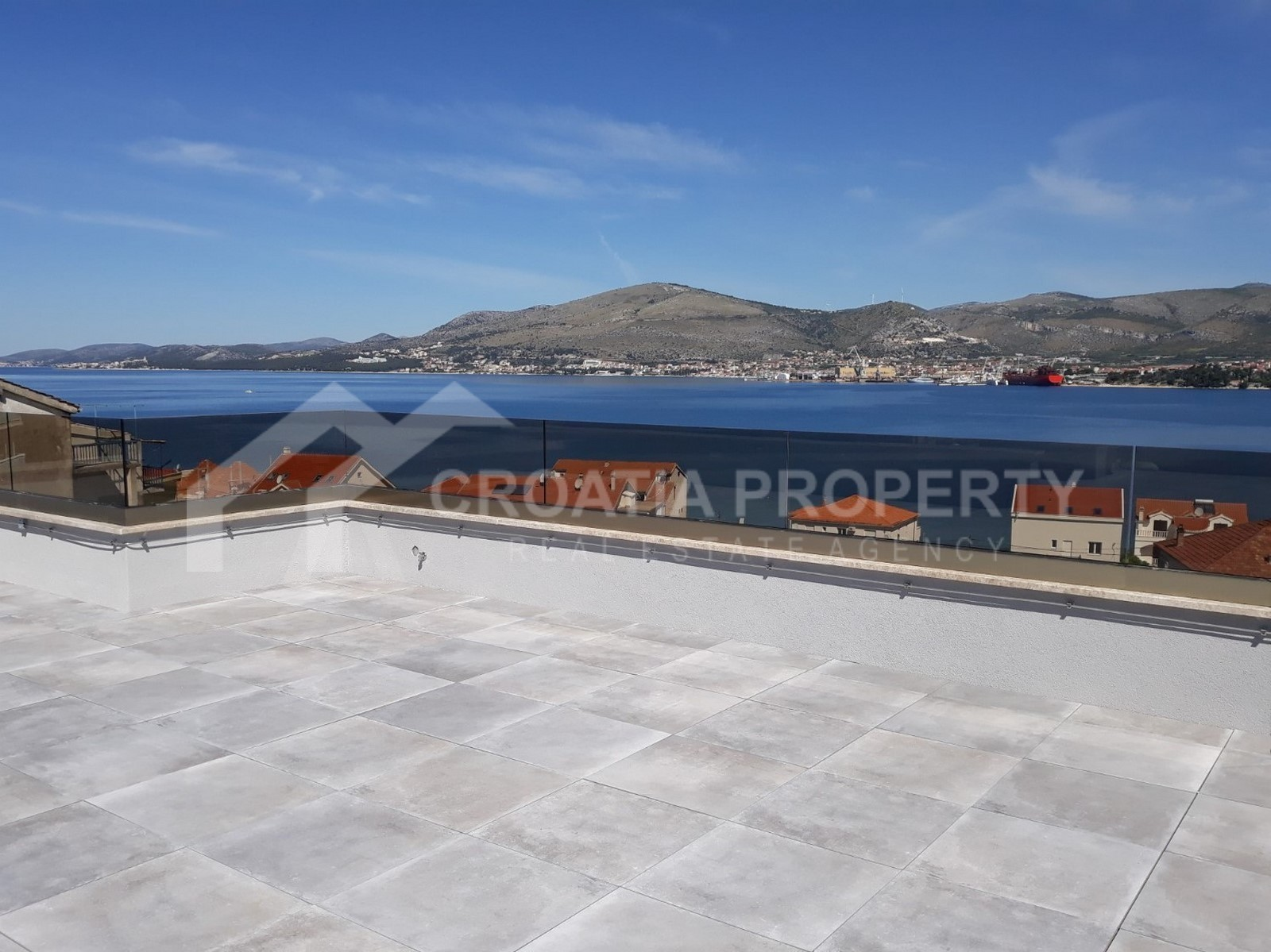 Newly built apartments with a seaview Ciovo
