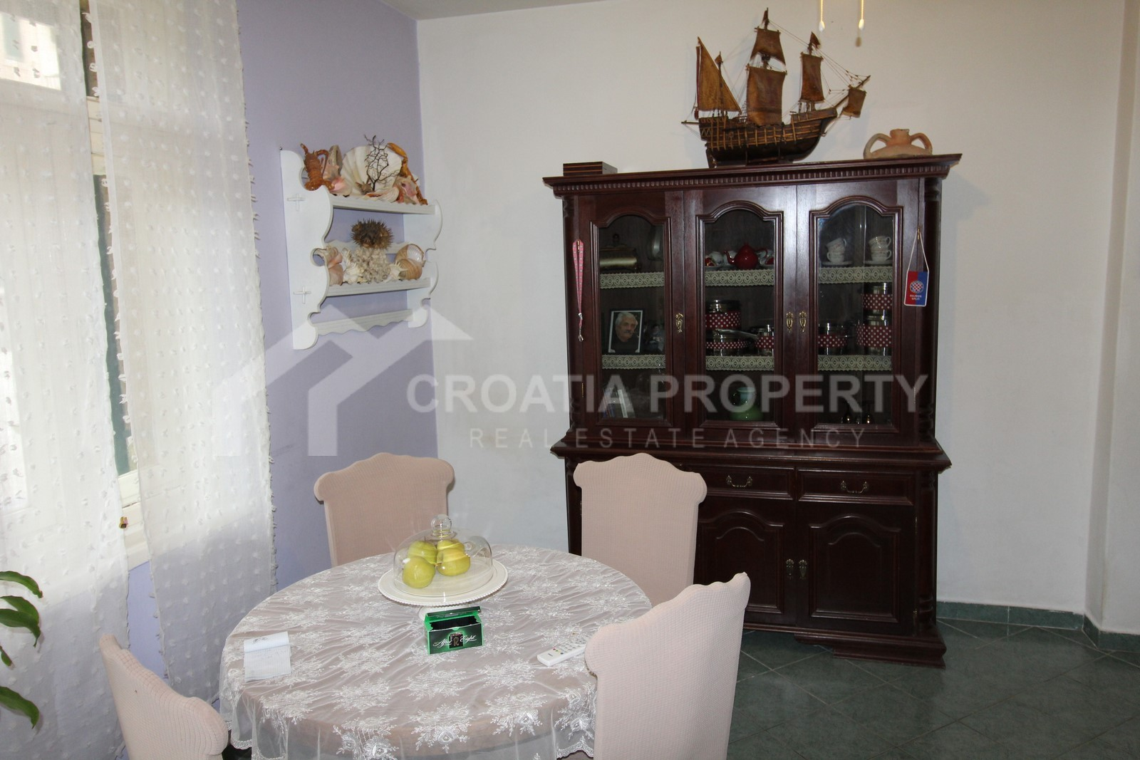 Two-bedroom apartment for sale Bacvice