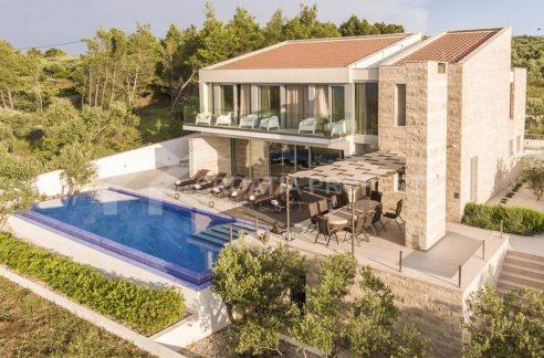 A luxurious villa on Brač - front - 1991 (1)