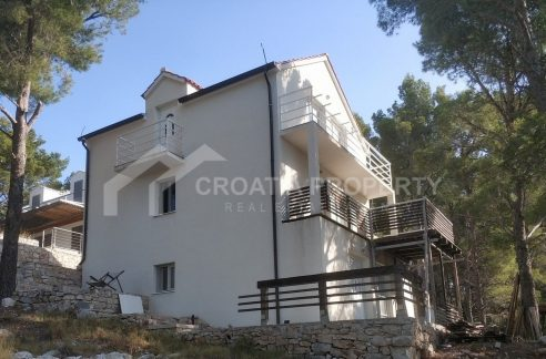 A house for sale Milna - 2025 - view (1)
