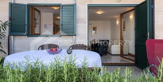 Apartment with pool Ciovo