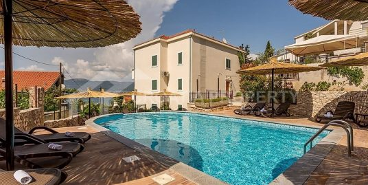Apartment with pool Ciovo