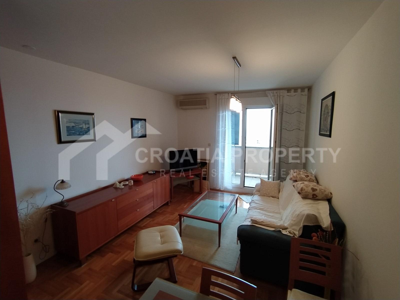 A spacious apartment Pazdigrad