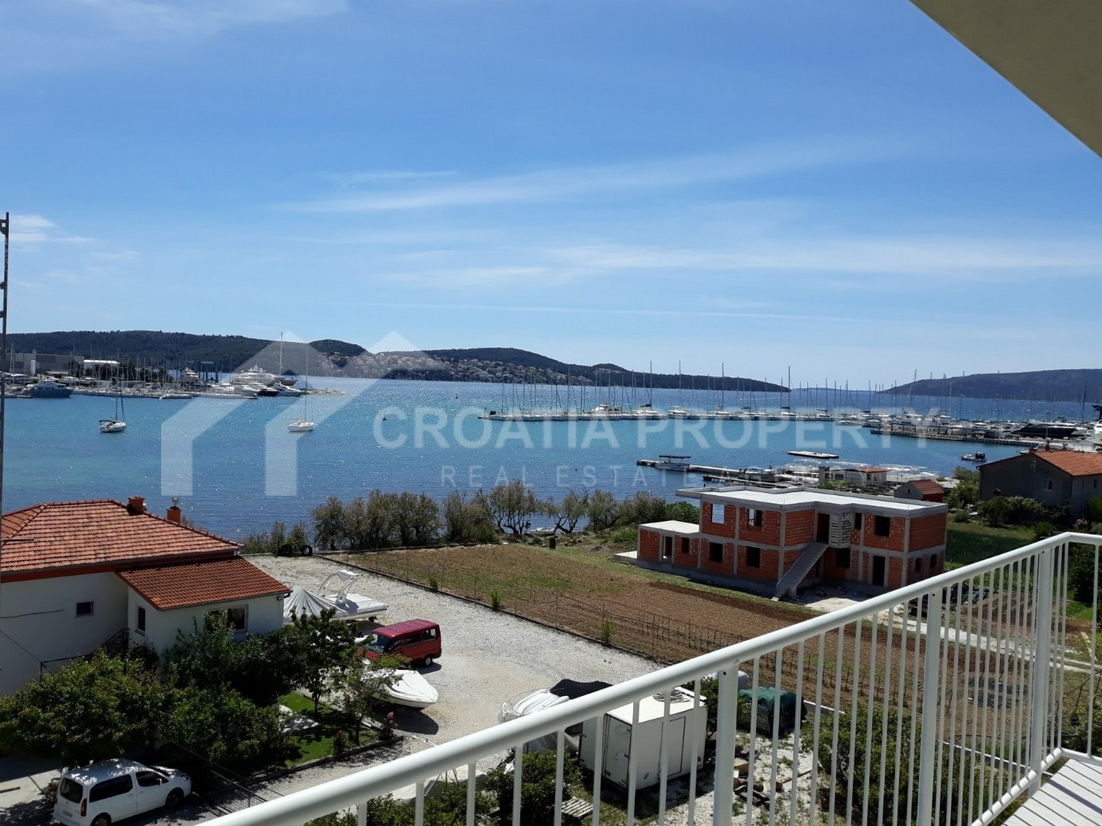 Newly built apartments Trogir