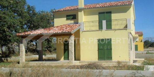 Schöne neu gebaute Häuser in der Nähe von Zadar