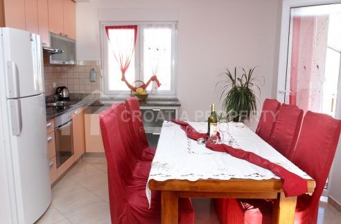 Spacious apartment with view Ciovo - 2047 - dining room (1)
