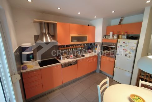 Two bedroom apartment Split - 2037 - kitchen (1)