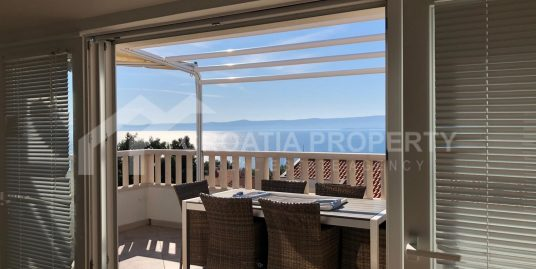 Three-bedroom apartment sea view Bol