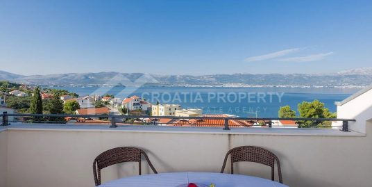 Penthouse apartment sea view Slatine