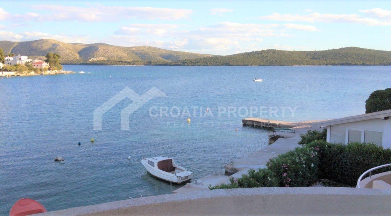 seafront house near Sibenik - 2080 - photo (1)