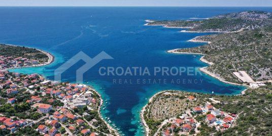 Waterfront luxurious villa Rogoznica