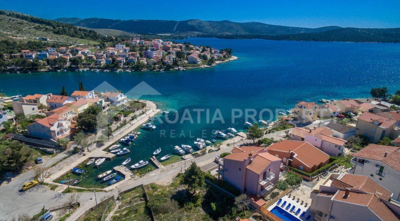 seafront house near Sibenik - 2080 - photo (6)