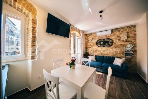 Apartment in the centre of Split - 2087 - living room1 (1)