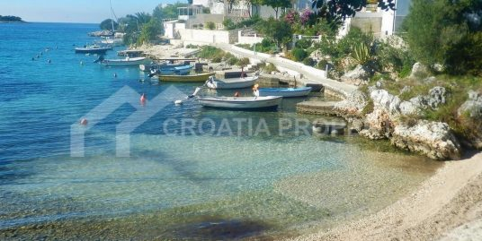 Apartment near the beach Rogoznica