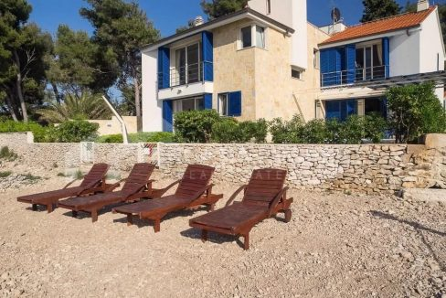 Unique seafront property on Brac - 2162 - front view (1)