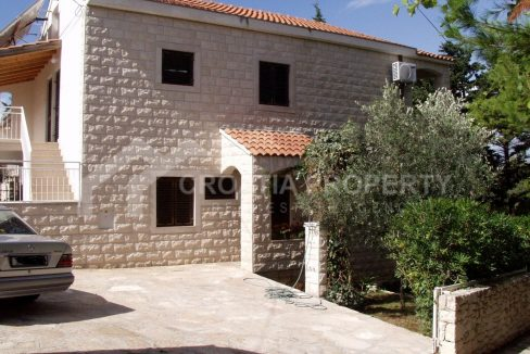 Villa with four apartments Brac - 2165 - house (1)