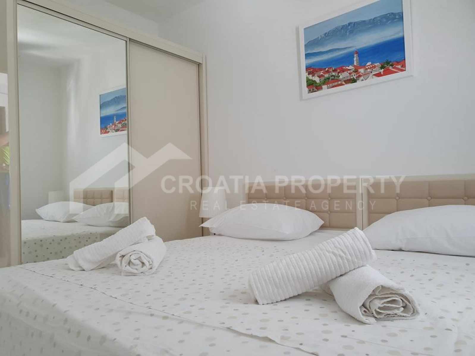 One bedroom apartment Sutivan for sale