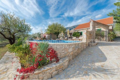 Luxurious villa in Bol for sale - 2198 - villa (1)