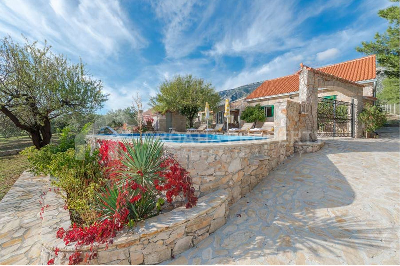 Luxurious villa in Bol for sale