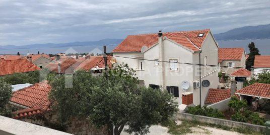 Zwei-Zimmer-Wohnung zum Verkauf in Supetar