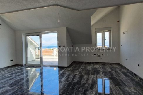 Apartment with a gallery in Supetar - 2222 - living area (1)