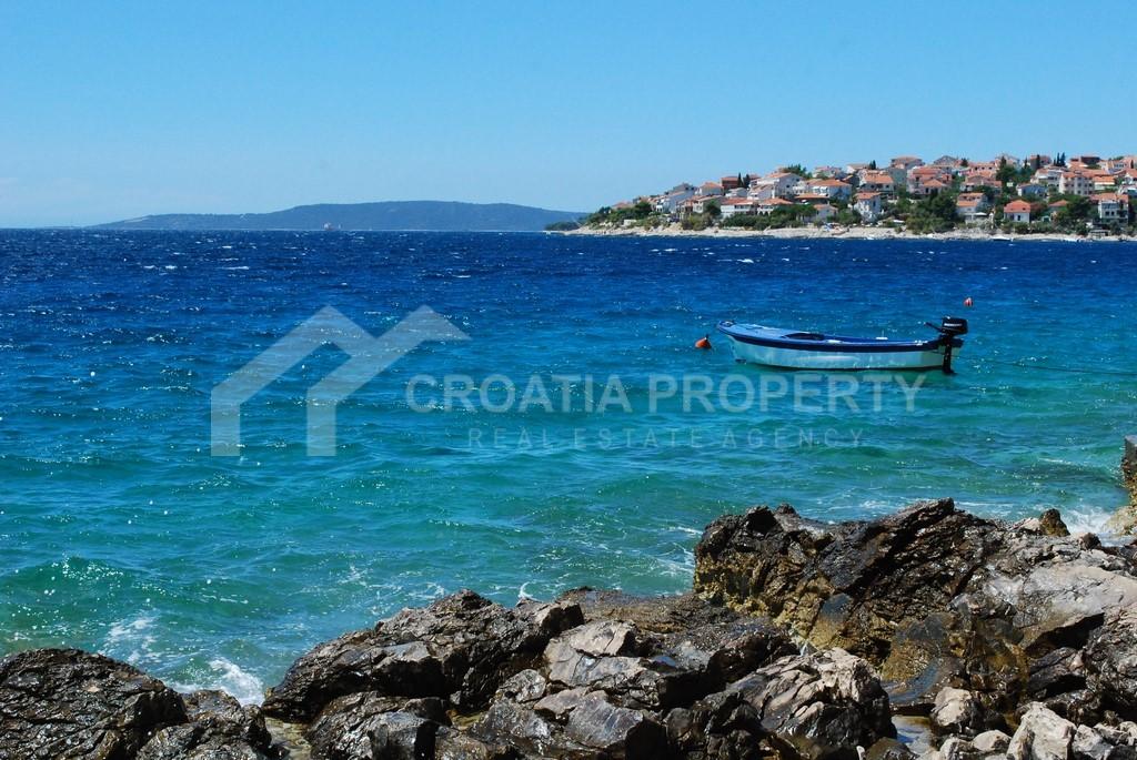 Luxury apartment close to sea, Okrug Gornji