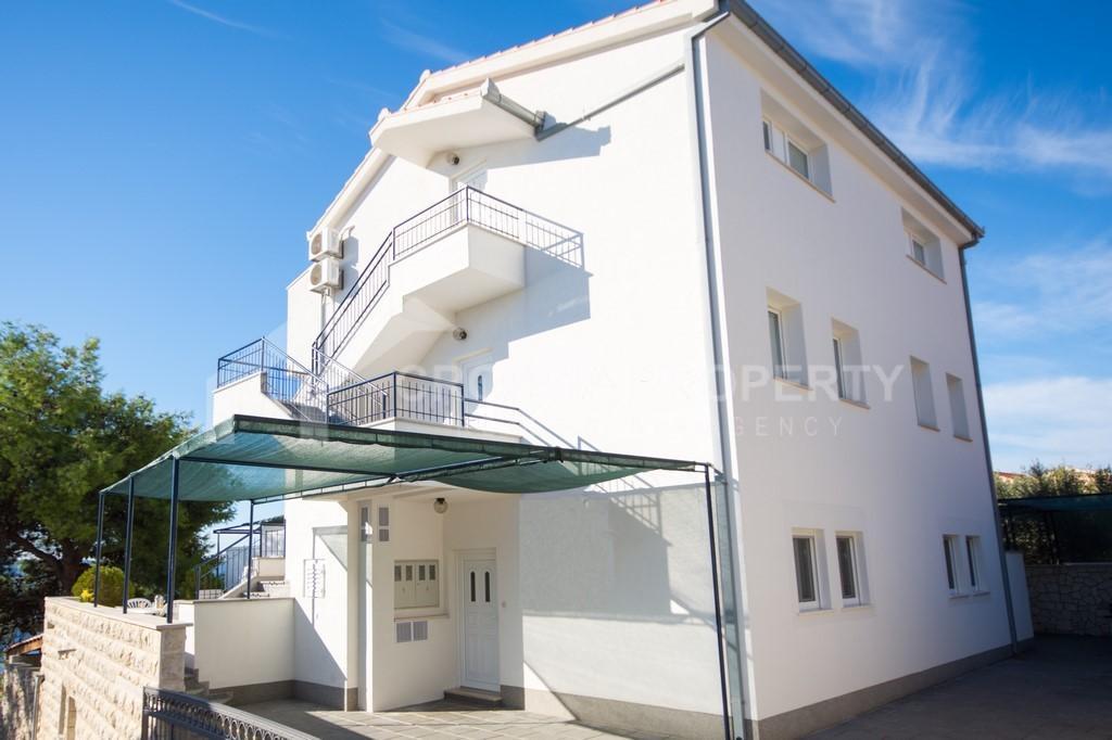 Villa with six apartments Ciovo